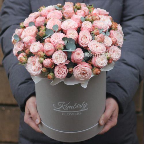 Пионовидные розы Мадам Бомбастик в коробке