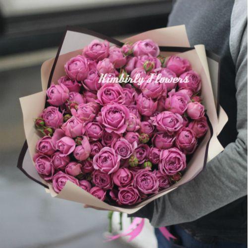 Букет из 15 кустовых пионовидных розовых роз Мисти Баблс