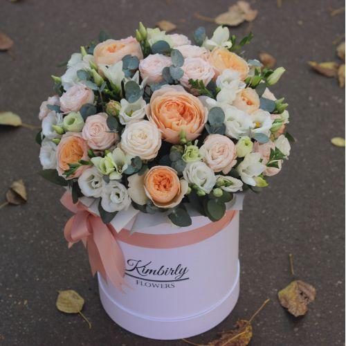 Пионовидные розы Джульетта, Мадам бомбастик и эустома
