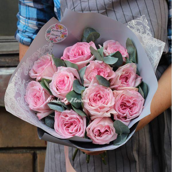 Букет из 11 ароматных розовых французских роз